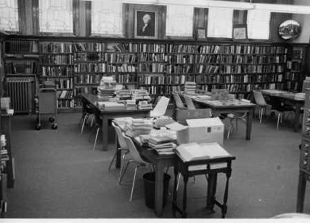 Carnegie Library before the 1978 additon.